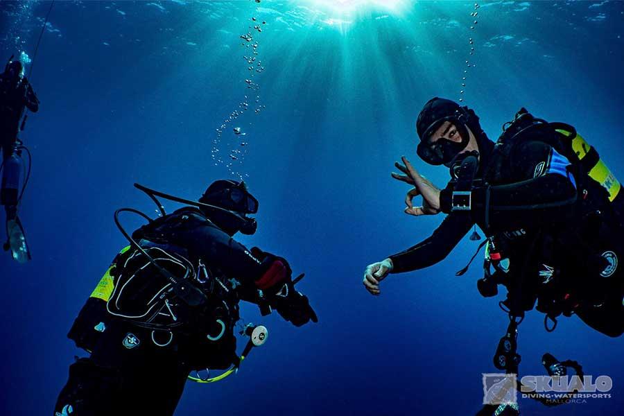 padi-dive-master-course-mallorca-1
