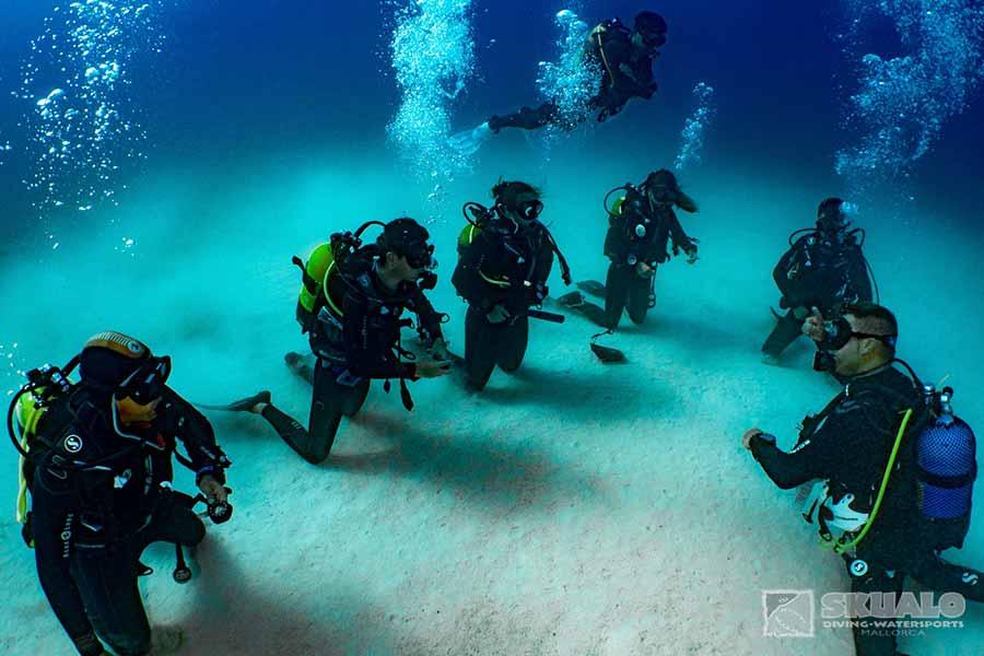 padi-dive-master-course-mallorca-2