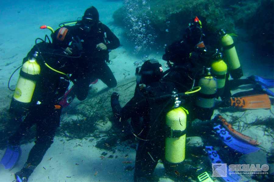 padi-dive-master-course-mallorca-3
